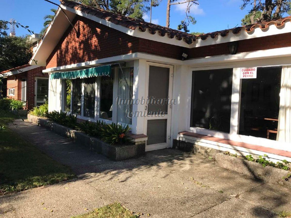 casa en barrio cantegril - lmt521c