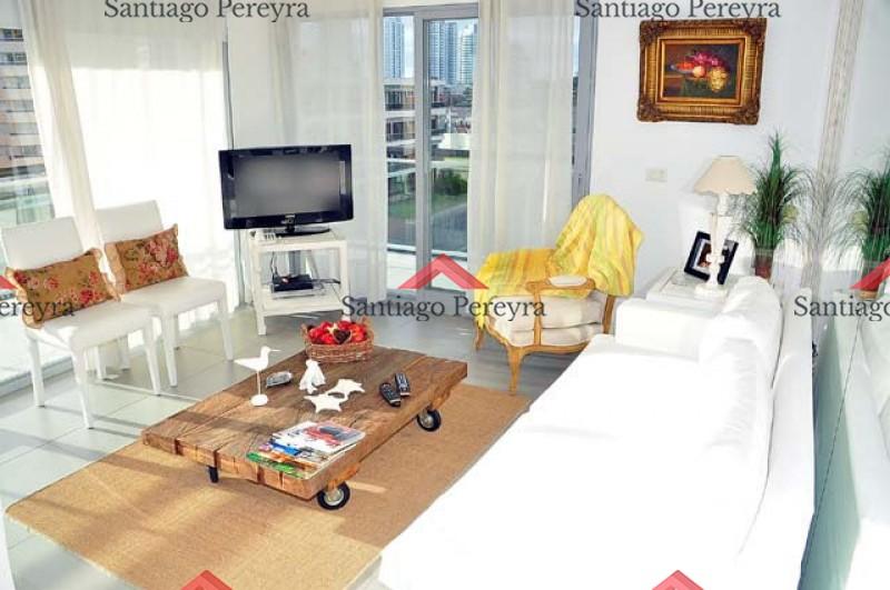 Apartamento ID.5563 -  TORRE LINDO PISO CON PARRILLERO PROPIO