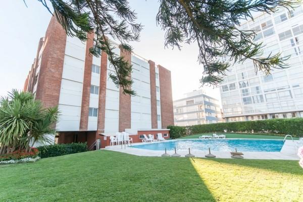 punta del este, departamento de 3 dormitorios y terraza, mansa, frente al mar . - dbp41145a