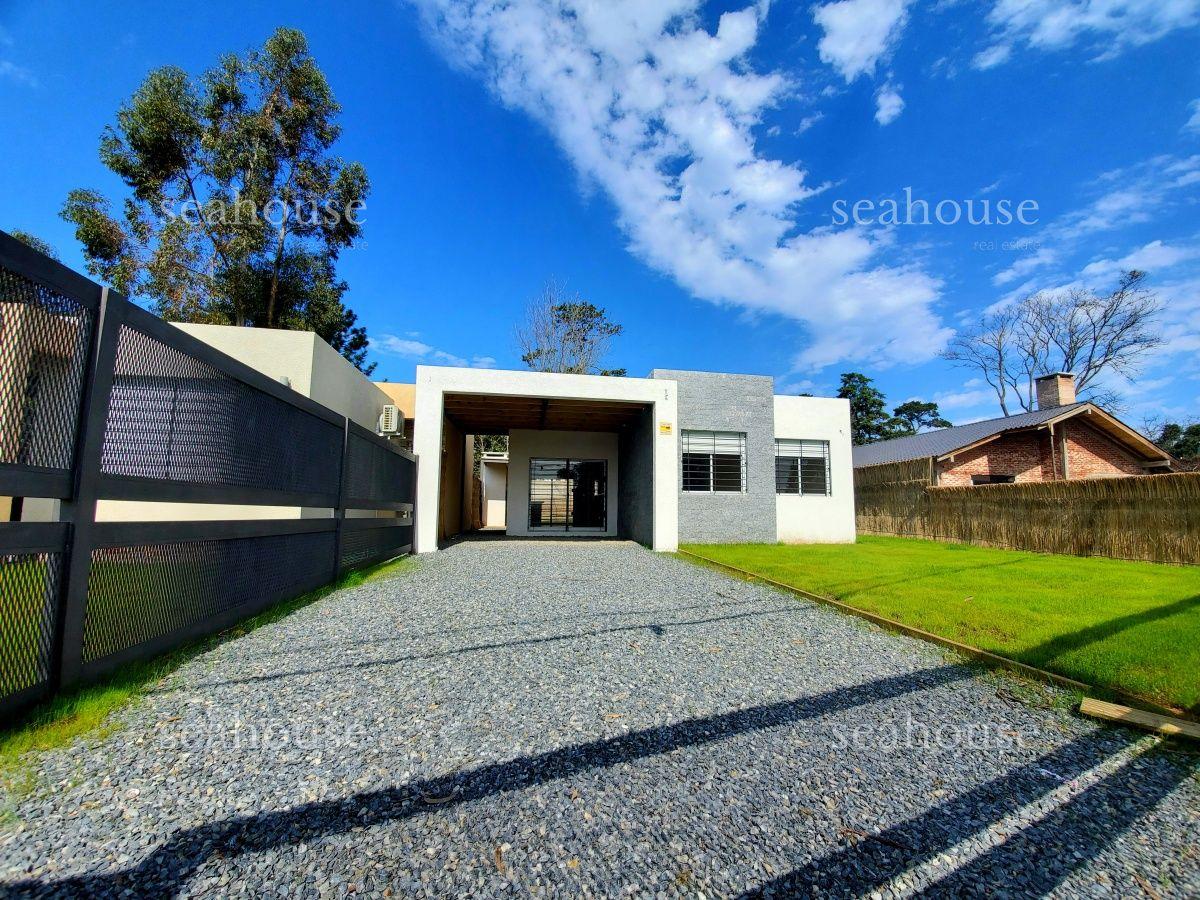 Casa Ref.372 - CASA EN VENTA A ESTRENAR EN PINARES.