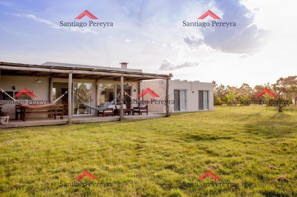Casa ID.5492 - Casa en venta El Quijote Chacras