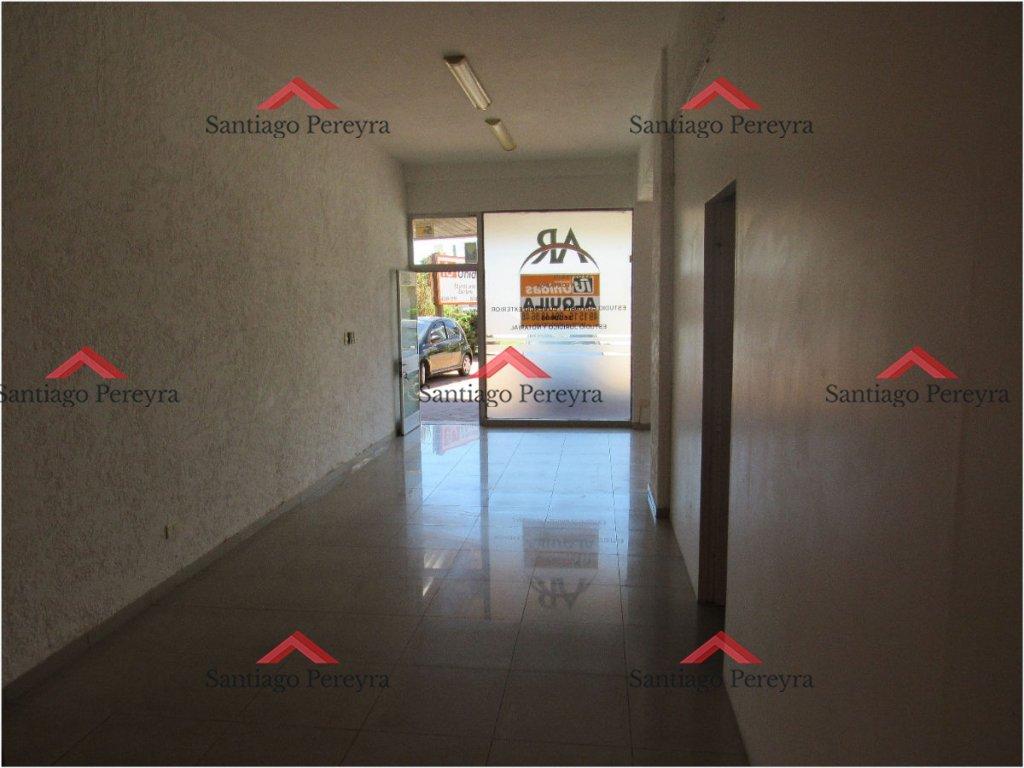 Local Comercial ID.4895 - Local en Venta con alquiler anual